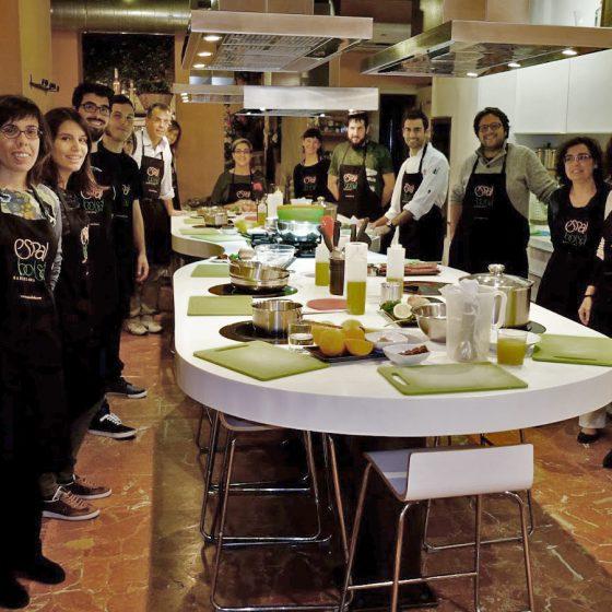 """Taller de cocina para los ganadores del concurso """"Som gent de profit"""""""